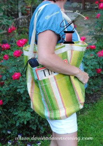 A fun and practical tote!! Davina Dawn Sewing Specialties - www.davinadawnsewing.com